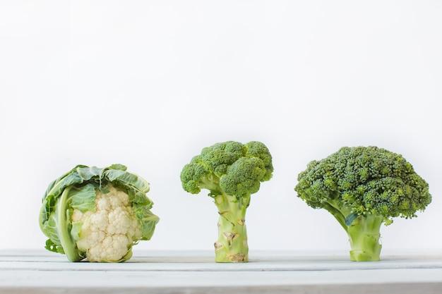 Chou différent. chou-fleur, chou, brocoli