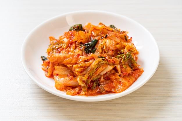 Chou kimchi sur plaque