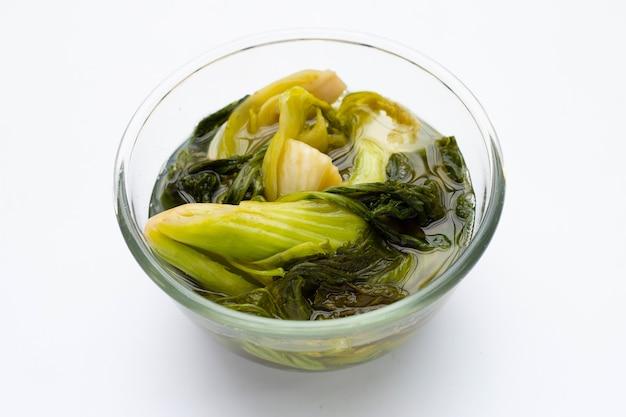 Chou mariné, feuilles de moutarde. style de cuisine thaïlandaise