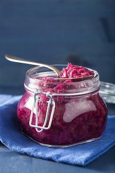 Chou rouge mariné en pot de verre