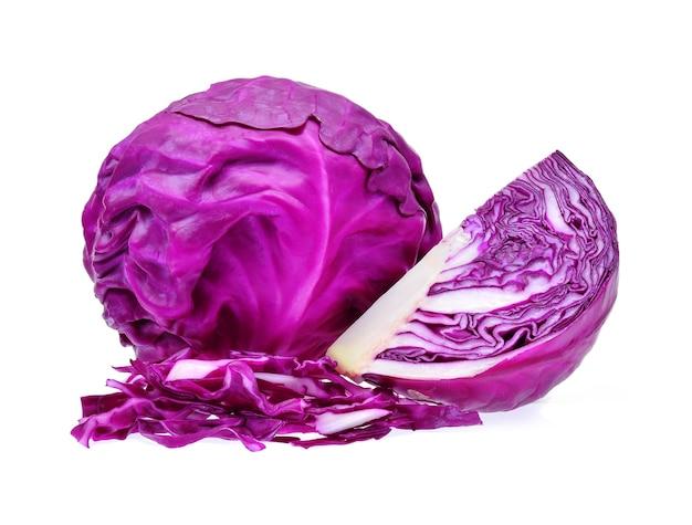 Chou violet sur fond blanc