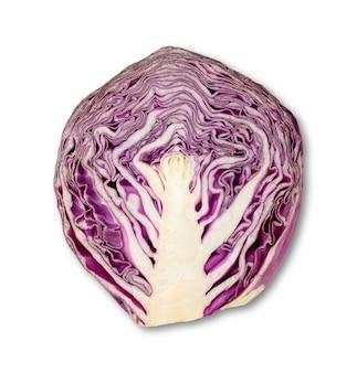 Chou violet à moitié isolé sur blanc