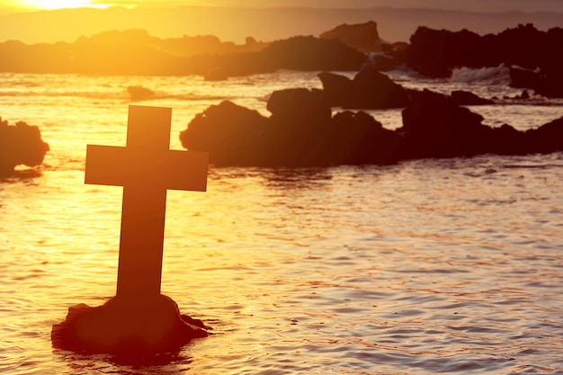 Christian cross sur la plage