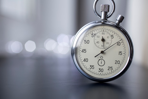 Chronomètre sur fond flou
