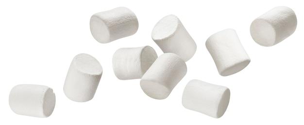 Chute de guimauves isolé sur fond blanc