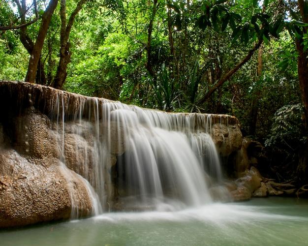Chutes d'eau de thaïlande attractions naturelles