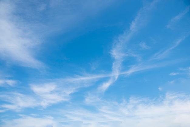 Ciel bleu.