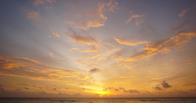 Ciel coucher de soleil nature