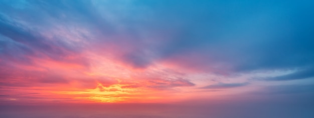 Ciel du soir et fond de nuage