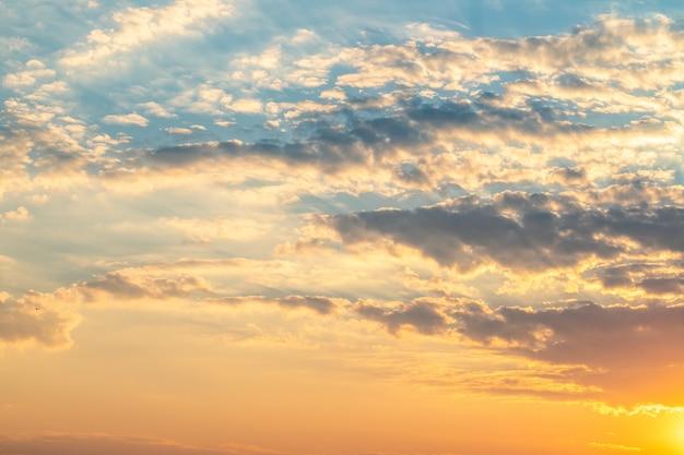 Ciel et nuages le soir