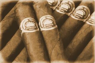 Cigares, de la fumée