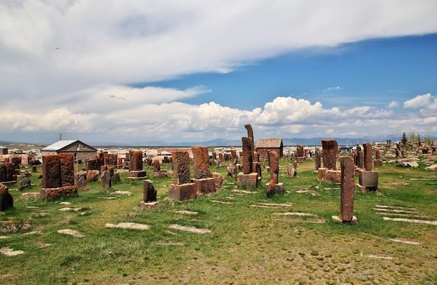 Cimetière de noratus sur le lac sevan, arménie