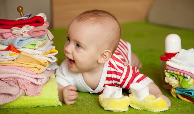 Cinq mois bébé fille