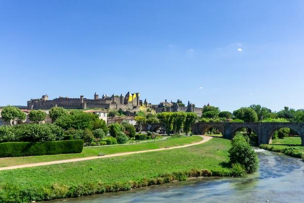Cité médiévale fortifiée de carcassonne, france
