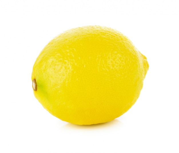 Citron isolé sur blanc.