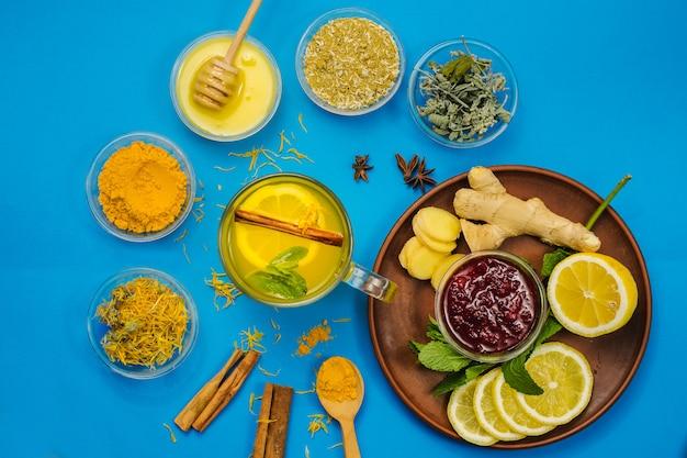 Citron et tisane pour le traitement de la médecine alternative et le système immunitaire