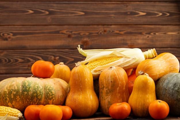 Citrouille, maïs et tomates