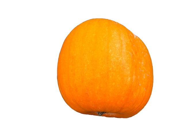 Citrouille orange isolé sur fond blanc en envoyant