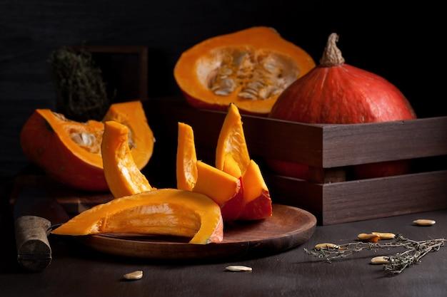 Citrouille orange vif. concept d'aliments biologiques saisonniers.