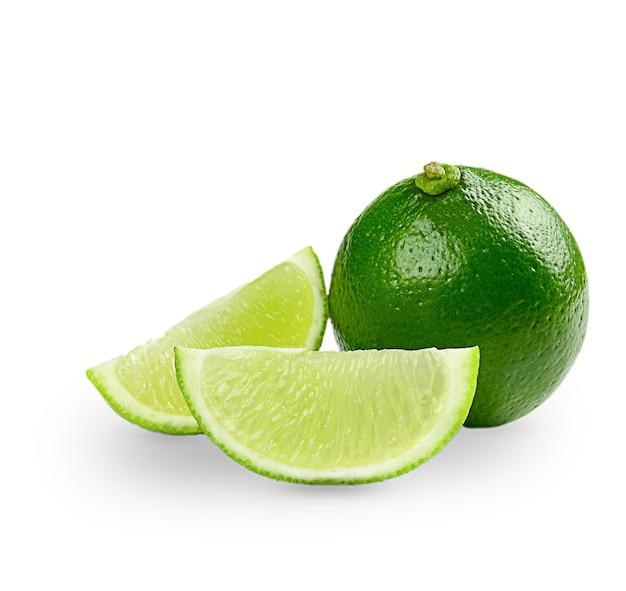 Citrus lime fruit isolé sur une surface blanche. photo de haute qualité