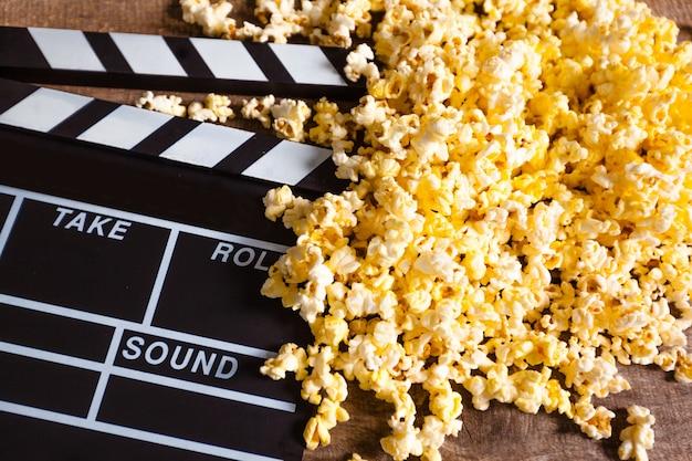 Clap de film et pop corn