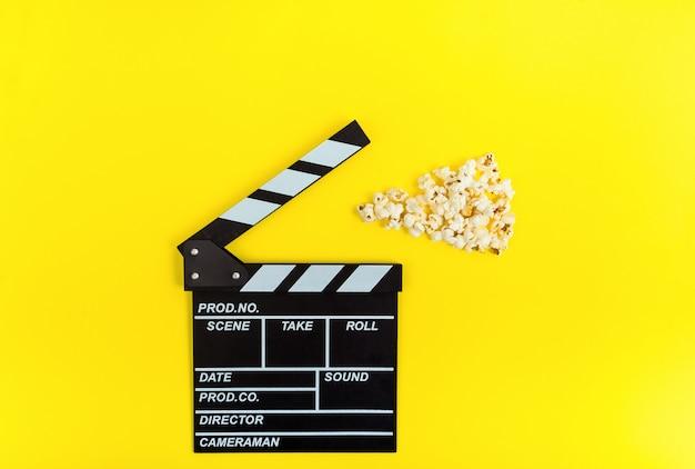 Clapperboard et popcorns
