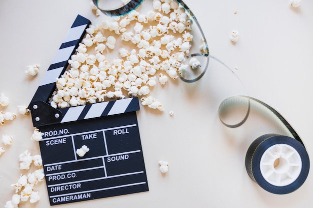 Clapperboard avec stock de film