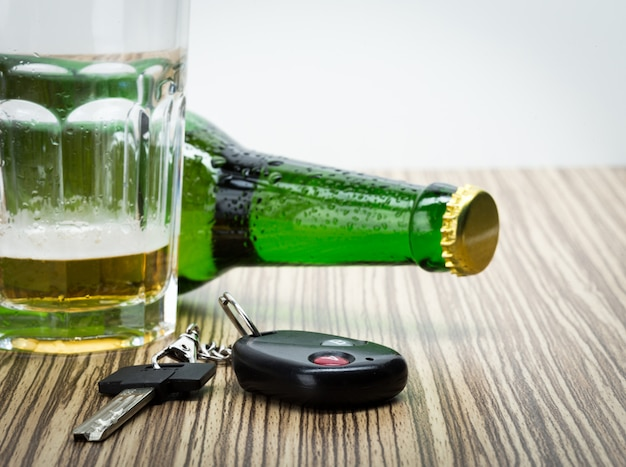 Clés d'alcool et de voiture