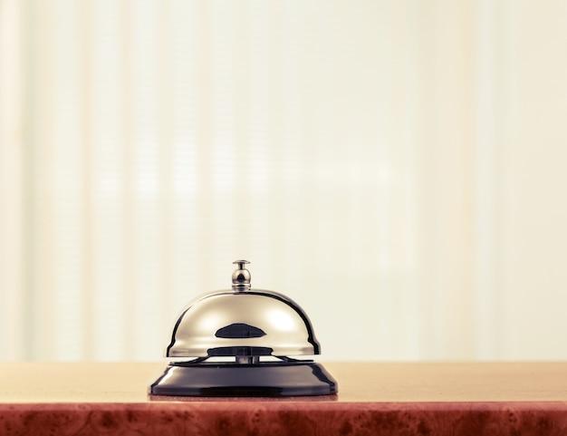 Cloche de bureau de réception d'hôtel vintage.