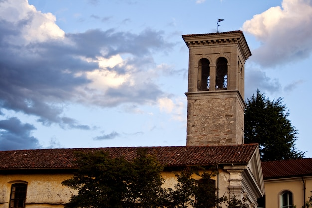 Clocher de la cathédrale de santa maria assunta, cividale del friuli - italie