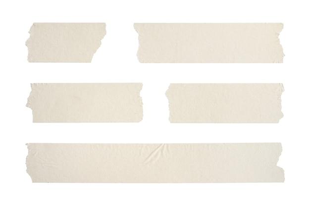 Close up de bande adhésive ride sur fond blanc