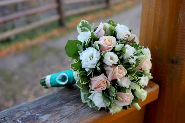 Close-up de bouquet de mariée magnifique. bouquet de mariée
