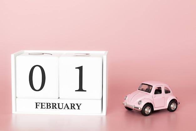 Close-up cube de bois 1er février. jour 1 du mois de février, calendrier rose