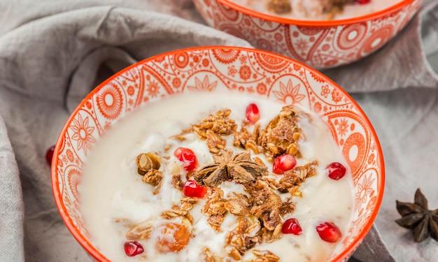 Close-up délicieux petit déjeuner bol prêt à être servi