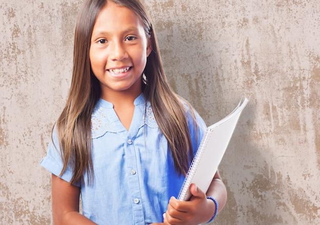 Close-up écolière prêt à aller à l'école