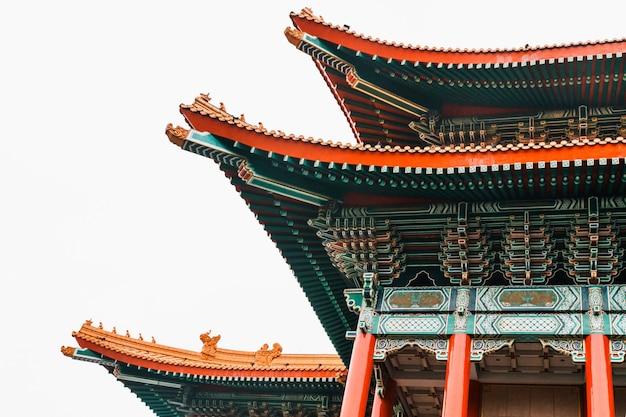 Close-up of national theatre hall de taiwan par la porte principale sur la droite de la place nationale de la démocratie de taiwan.
