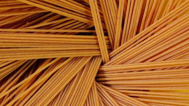 Close up de pâtes penne en arrière-plan