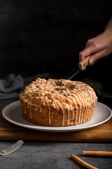 Close-up savoureux gâteau fait maison prêt à être servi