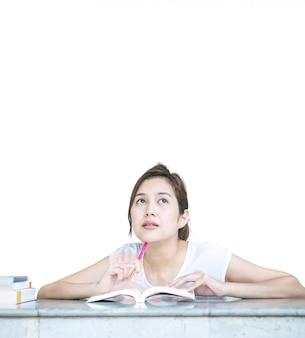 Closeup, femme, penser, figure, livre, marbre, table, isolé, blanc, fond