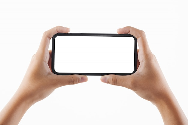 Closeup main femme tenant un écran blanc smartphone noir isolé