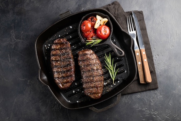 Closeup prêt à manger steak top blade.