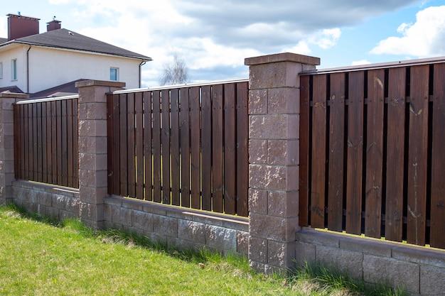 Clôture extérieure en bois