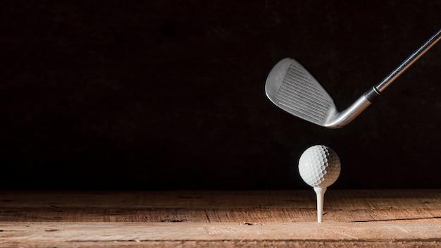 Club de golf avec ballon