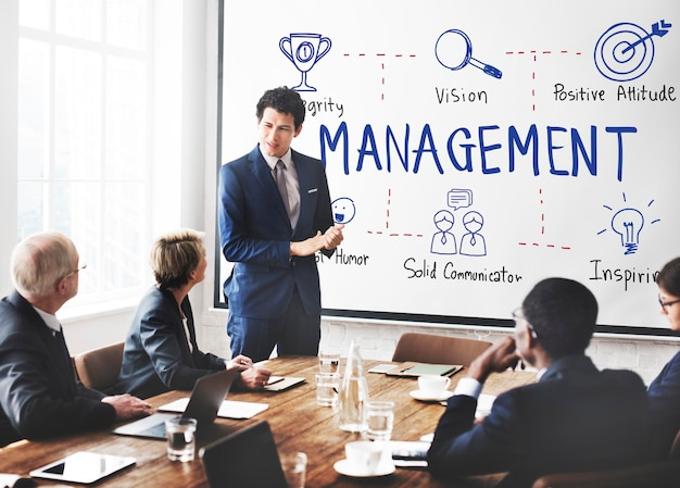Coaching de gestion concept de mentor de négociation d'affaires