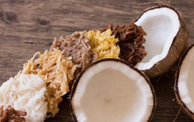 Cocada un bonbon typiquement brésilien. noix de coco sucrée.
