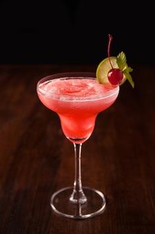 Cocktail daiquiri à la fraise vierge