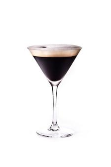 Cocktail expresso isolé sur une surface blanche