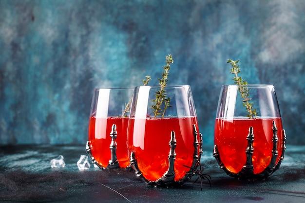 Cocktail de fête d'halloween sanglant