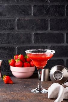 Cocktail fraise margarita en verre