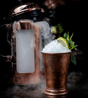 Cocktail froid sur la table